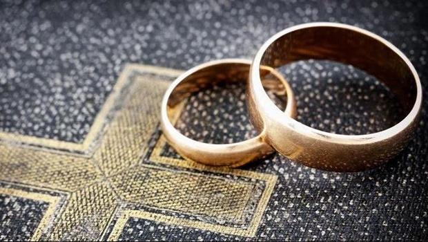 A parábola das bodas, sob a forma de alegoria, ajuda compreender a vida atual e ensina que sempre recebemos o convite divino para a lavoura do bem em nossas existências, na forma de concessões, para que nos ergamos à Lei do Amor.